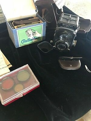Rolleiflex 2.8 Compur-rapid Carl Zeiss lot of accessories and paperwork!