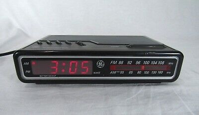 GE 7-4614A Alarm Clock AM/FM Radio Vintage Red LCD General Electric
