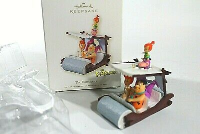 HALLMARK Keepsake 2001 Ornament Winnie the POOH Just What they Wanted Piglet