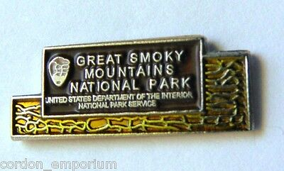 Carolina Tennessee Great Smoky Mountains State Park Pin Badge 1/2 Inch