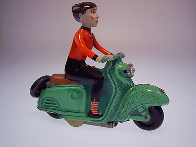 "Gsmoto Ddr "" Motorroller Mit Frau/scooter"" Uhrwerk/wind Up Ok, Like Neu/new/neuf"