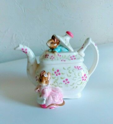 SCHMID Vintage BEATRIX POTTER MUSICAL TEA POT Peter Rabbit Wind UP Nursery BABY