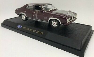 Ford Falcon XB GT Sedan Mulberry 1:32 Diecast Model Collectible Cars Licensed
