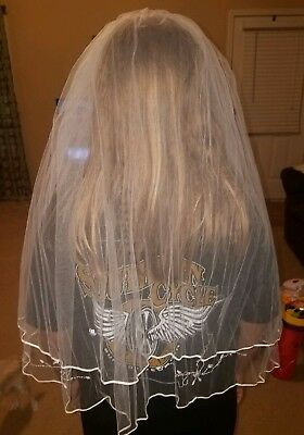 Davids Bridal Wedding Veil - white $99.99 pre-owned beautiful beaded and embroid