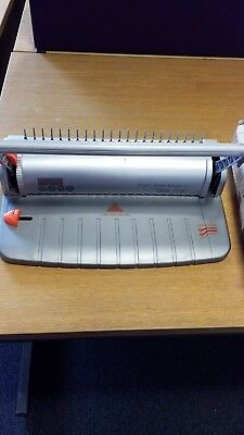 Peach Smart Binding Machine + 1 packs A4 binding combs, various colours and size
