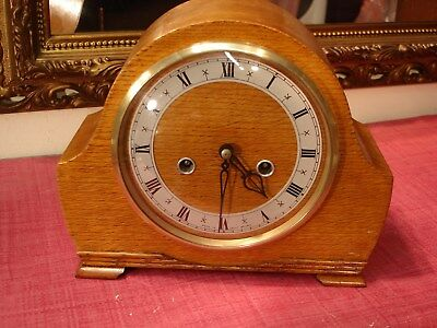 Splendid Vintage English Oak Cased Striking Mantel clock, Lovely Condition.