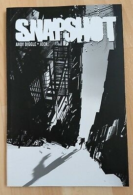 Snapshot Graphic Novel, by Andy Diggle and Jock (softcover)