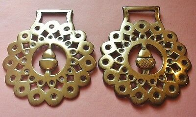 *a Matched Pair Of Acorn Surrounded By Diamonds ~ Antique Horse Brasses*