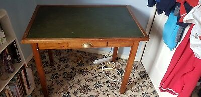 Desk table with leather-style top