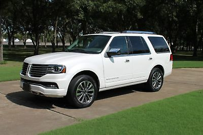 Lincoln Navigator One Owner Perfect Carfax One Owner Perfect Carfax Extremly Low Miles Factory Warranty MSRP New $62240