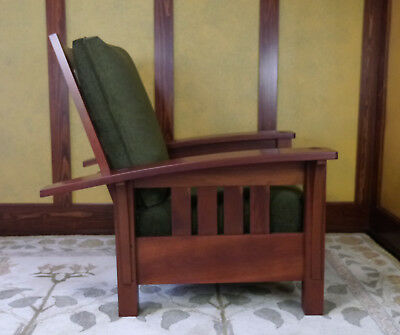 Stickley Cherry Bow Arm Mission/Craftsman Chair