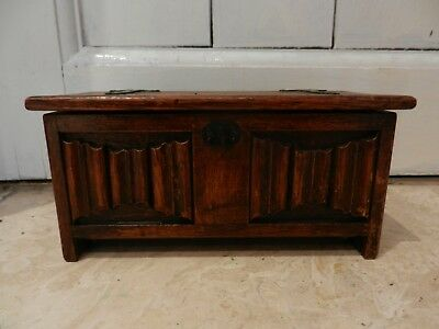 Old/vintage Tallent Of Bond St Oak Coffer Shaped Musical Box - Good Condition