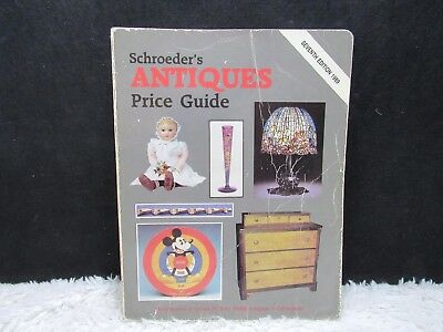1989 Schroeder's Antiques Price Guide Seventh Edition Paperback Book