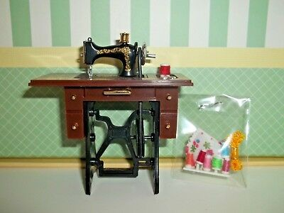 mini SEWING MACHINE  WITH ACCESSORIES -  DOLL HOUSE MINIATURE