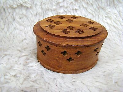 Unique Hand Carved Oval Tinket Box, S. S. Sanna, Made in India, Collectible