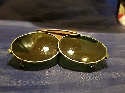 VINTAGE  FOLDING Green Lens Aviator Clip On Sunglasses WITH SNAPPING POUCH.
