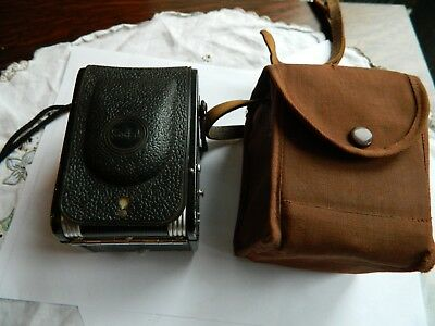 Kodak Duaflex pseudo TLR Camera with lens cover in case