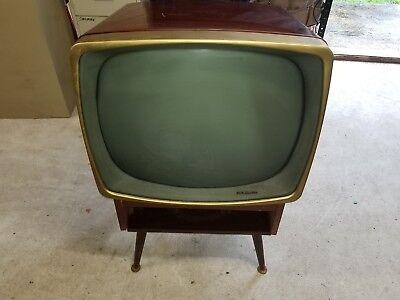 Vintage 1950's RCA Tube Television with Original Stand Model 21 T8225 TV