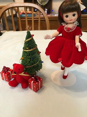 """Tonner Tiny Betsy Mccall """"Has A Happy Holiday!"""" Extra Excessories!"""