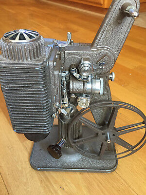 Vintage Revere Eight Model 85 8MM Film Projector W/Case, Bulbs - variable speed