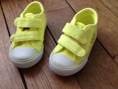 Chaussures Basket Taille 20