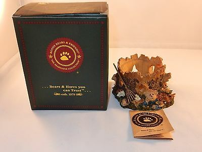 Boyds Bears Bearstone Collection Style #27731  Maple Leafowitz. Fall Foliage Fun