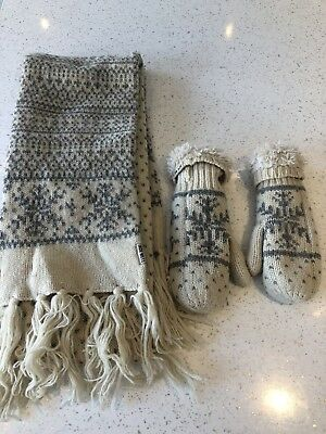 Jack Wills Scarf And Mittens Set - Cream Silver Fairisle Christmas Snowflake
