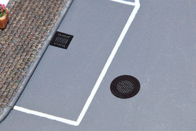 Walthers SceneMaster-Manhole Covers & Sewer Grates -- Etched-Metal - 4 Manhole C