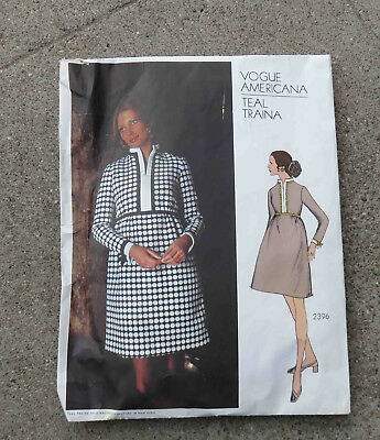 Original  1970s  Vogue Americana  Dress Pattern Teal Triana 32