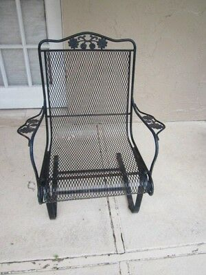 Russell Woodard Sculpture Wire Vintage Arm  Roking Chair from 1950 circa