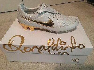 buy popular 3a28d 2b7da NIKE TIEMPO LEGEND V R10 Ronaldinho Touch Of Gold Limited Edition Soccer  Shoes
