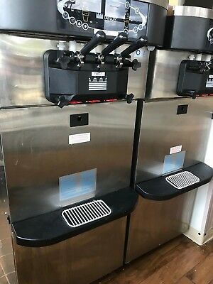 Taylor C723 Frozen yogurt Soft Serve Ice Cream Machines