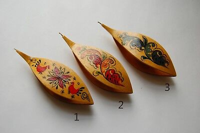 Wooden Tatting Shuttle With Built-in Crochet Hook Hand Made in Maple Painted