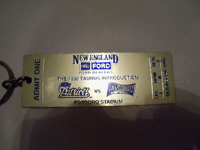 "1996 Ford Promo NEW ENGLAND PATRIOTS vs CAROLINA PANTHERS 4 1/2"" Gold Key Chain"
