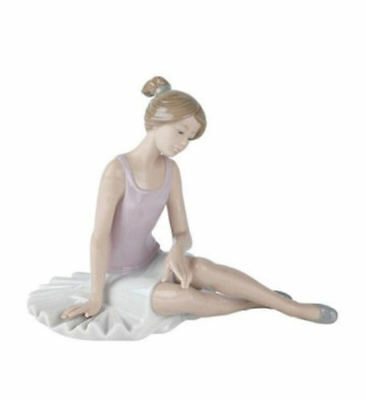 """New In Box Nao By Lladro #1175 """"dancer Rested"""" Ballerina Girl Ballet Figurine"""