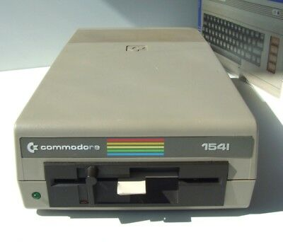 Commodore-1541-Floppy-Disk-Drive-Laufwer