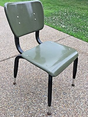 Vintage MCM American Desk Manufacturing Avocado Green Fiberglass School Chair