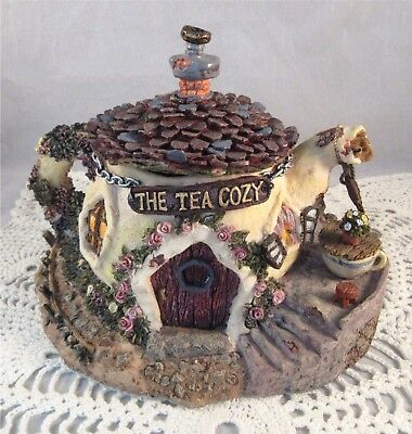 Boyds Bearly Built Villages THE TEA COZY 3 Pieces Style 19015 Mint Condition