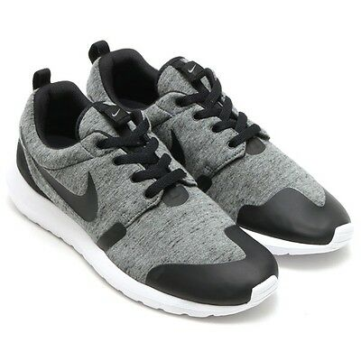 detailed look cb182 0c8b6 2015NIKE MEN ROSHE ONE NM TP Tech Fleece US 9 Grey Black 749658-002