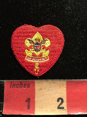 Vintage RED HEART BSA Boy Scouts Patch 87I3