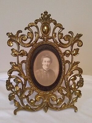 Early Cast Iron Brass Ornate Oval Table Top Picture Frame w Antique Photo