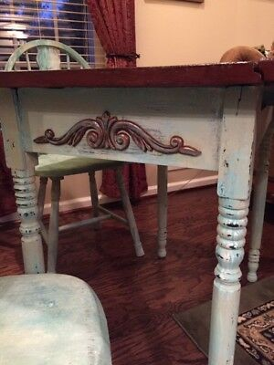 Vintage Side Leaf Table & 2 Chairs finished in Chalk Blend Finish