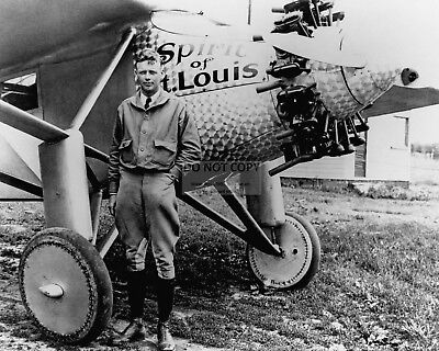 "Charles Lindbergh In Front Of Plane ""Spirit Of St. Louis"" - 8X10 Photo (Bb-088)"