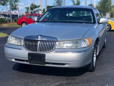 2002 Lincoln Town Car  2002 Lincoln Town Car Executive 4dr 89K Miles 4.6L V8 Leather Runs Great Florida