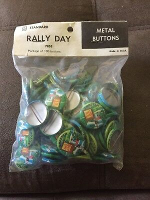 """Vintage Rally Day Pin """"Welcome"""" Metal Button Bag Of 100 Church Vintage"""