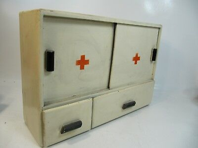 VINTAGE RETRO 1950s WOODEN WALL MEDICINE APOTHECARY CABINET RED CROSS