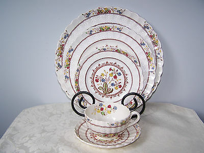 Beautiful Copeland Spode Cowslip Pattern 5 Piece Place Setting - Brown Stamp