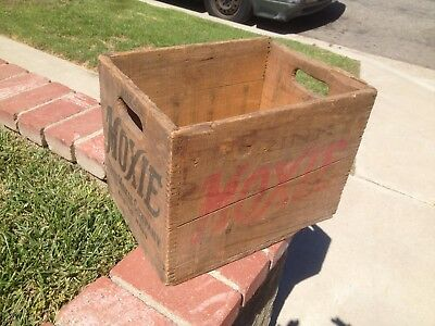Antique Drink  MOXIE Soda Wood Dovetail Crate Box 1 Doz Bottles Boston Mass.