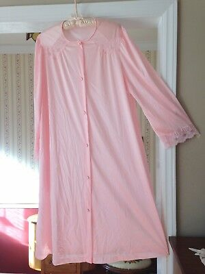 Vintage Vanity Fair Robe Pink Silky Button up Lace Long sleeve Below knee Size M
