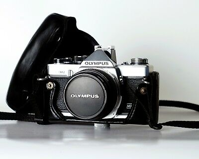 OLYMPUS OM2 w/ 50mm F1.8 Zuiko Lens and Original Case Legendary Classic Camera